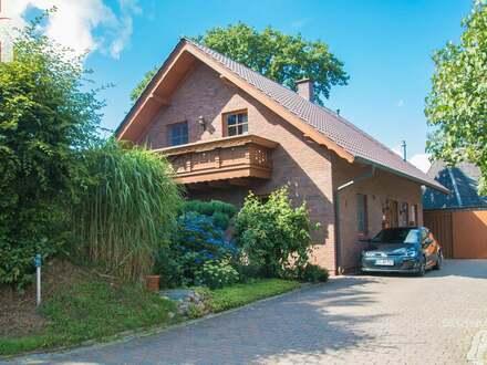 Attraktives Einfamilienhaus im Landhausstil - Tolle Wohnlage im Grünen!