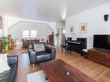 Traumhafte 4-Zimmer-Dachgeschoss-Wohnung im Herzen der Stadt