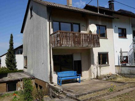Essingen, Doppelhaushälfte in guter Nachbarschaft - für Handwerker