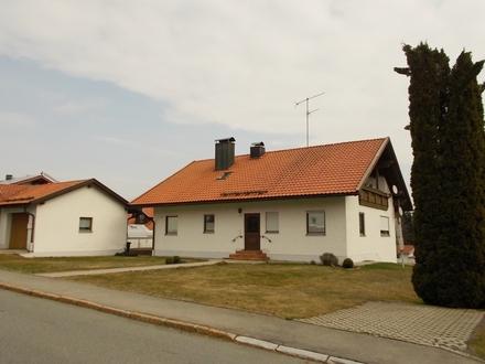 Gepflegtes Einfamilienhaus mit ELW in ruhiger Lage