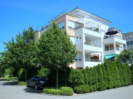 Großzügige 4-Zimmer-Wohnung mit sonnigem Süd-West-Balkon und 2 TG-Stellplätze