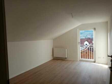 Neu sanierte 1,5-Zimmer-Wohnung zentral in Frauenau zu vermieten!