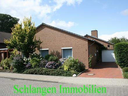 Objekt Nr. 19/830 Einfamilienhaus mit Garage und Carport in Leer