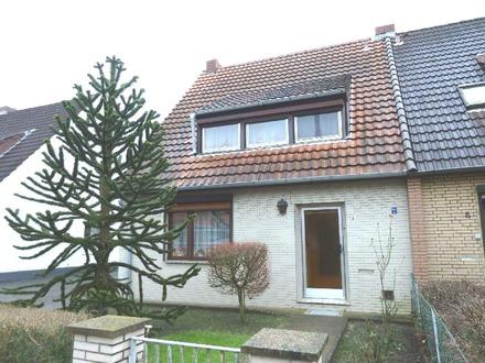 Solde Doppelhaushälfte mit großem Grundstück in beliebter Lage in Alt-Arsten