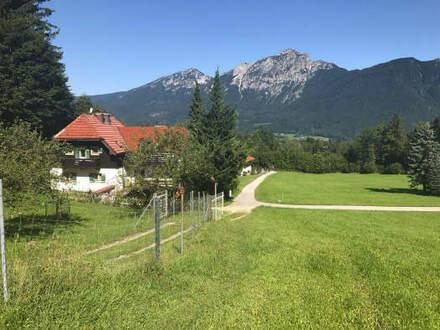 Geräumiges Wohnhaus mit ELW in Natur-Bergblick-Lage