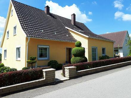Doppelhaus in sonniger Aussichtslage