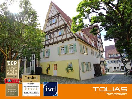 Altstadt-Schmuckstück! Attraktive, denkmalgeschützte 2,5-Zimmer-Wohnung mit Duplex-Stellplatz