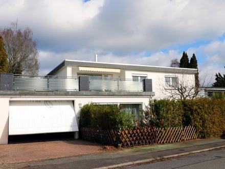 Modernes Zwei Fam. Haus im Bungalow Stil, Massivbau, Garage in Toplage von Johannisberg-Schlossheide
