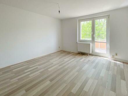 Neue Wohnung? Wir suchen Sie für eine renovierte 2 Zimmer Wohnung + Gutschein*