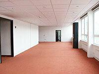 Teilanmietung möglich, zentrale Lage in einem Büro- und Geschäftshaus