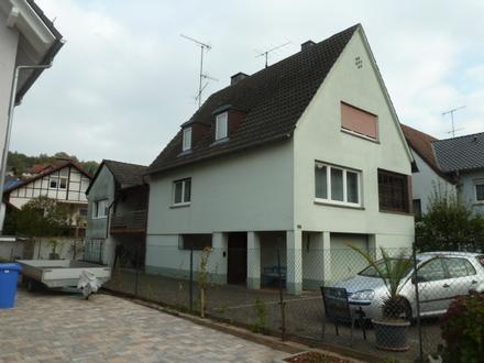 2 Fam. Wohnhaus mit Garage