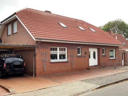 Einziehen und Wohlfühlen! Großes Einfamilienhaus mit Garage und Carport in Emden (OT Widdelswehr)!