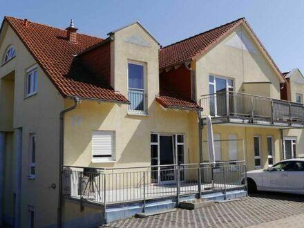 Außergewöhnliche Dachgeschosswohnung mit 2 Balkonen und Stellplatz