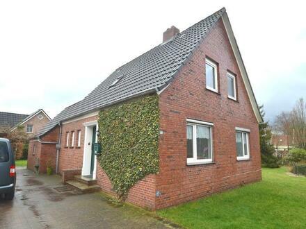 Neukamperfehn - Vermietetes Wohnhaus mit Garage