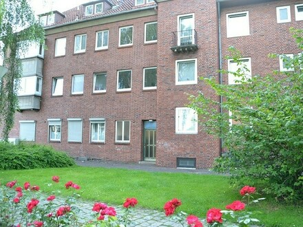 Erstbezug nach Vollsanierung: 4-Zimmerwohnung in Rathausnähe, 2. OG rechts, Deb.-Nr. 70304