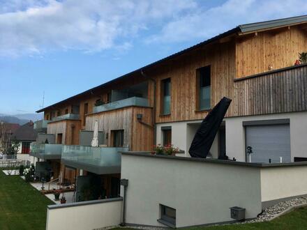 GEMÜTLICHE SENIORENWOHNUNG! Barrierefreie, geförderte 2 Zimmer Mietwohnung in Berndorf mit Balkon und Carportplatz