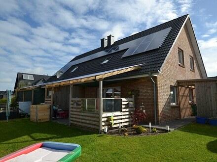 Modernes Doppelhaus Baujahr 2013 in attraktiver Wohnlage