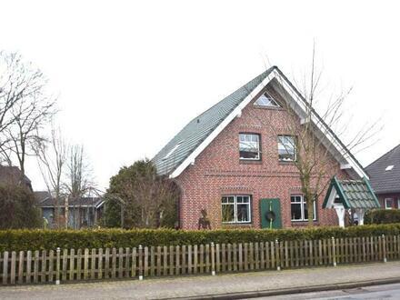 Neuwertiges Einfamilienhaus in zentraler Lage von Jaderberg
