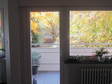 3 Zi.-Whg. im Grünen mit Kü., Bad, Balkon