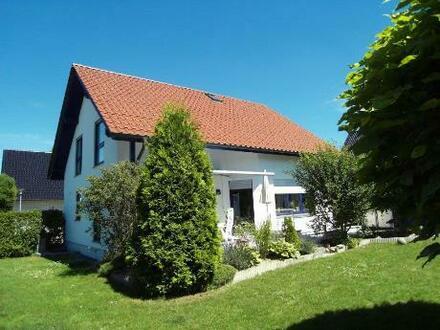 Wohnflächeca. 150 m²  Arealca. 588 m²  Baujahrca. 1999  HeizungGas-Brennwertheizung,...