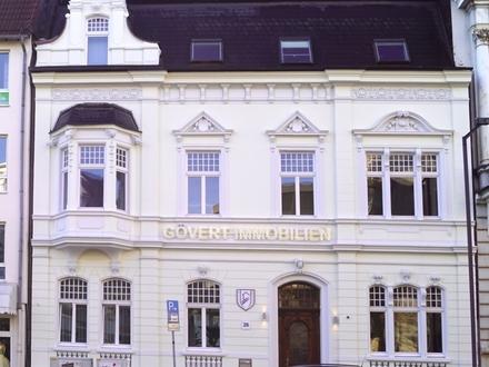 Repräsentativ, klassisch schön und im gehobenen Ambiente - Büro- und Praxisfläche im 1. Obergeschoss