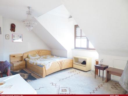 Über 5 % Rendite!!! 4 Zimmer-Wohnung mit Fußbodenheizung und Garagenstellplatz!