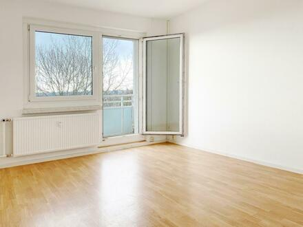 Wohnen auf zwei Räumen mit Balkon!