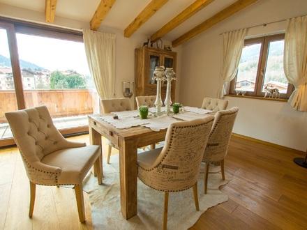 Noble Dachgeschoß-Maisonette-Wohnung mit perfektem Blick auf Hohe Salve und Kirchberg