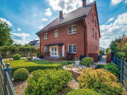 Mehrfamilienhaus mit beträchtlichem Potenzial in ruhiger Lage!