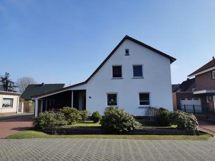 5798 - Tolle Obergeschosswohnung mit Balkon in einem 2-Parteienhaus!