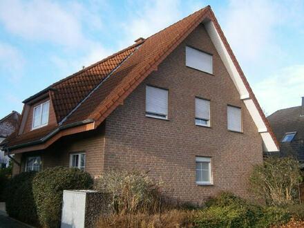Geräumige Erdgeschosswohnung mit Terrasse!