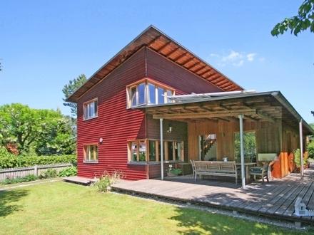 Ökologisches Niedrigenergiehaus mit Einliegerwohnung in ruhiger, seenaher Bestlage