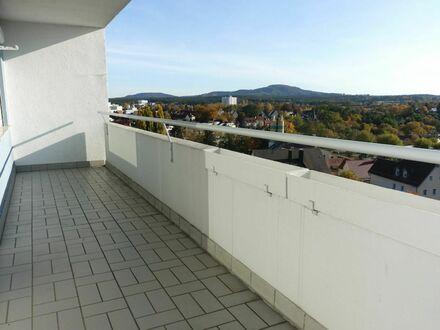 Panoramaverglaste 2 Zimmer 6 3 qm + wettergeschützte LOGGIA mit Fernblick inkl. EINBAUKÜCHE + LIFT
