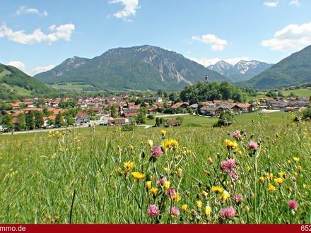 Lebensabend in Ruhpolding: Exklusive Gartenwohnung mit herrlichem Bergblick!