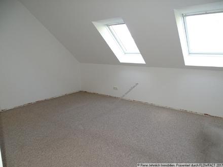 Schöne 3 Raum Wohnung mit Wertsteigerungspotenzial
