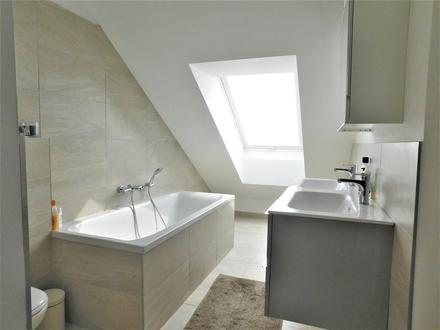 Luxus Altbau mit Terrasse - Generalsaniert 2017