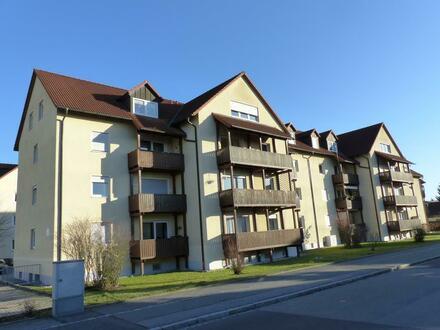 Günstiger Wohnraum geboten!!! Großzügiges Appartement mit Einbauküche und Stellplatz