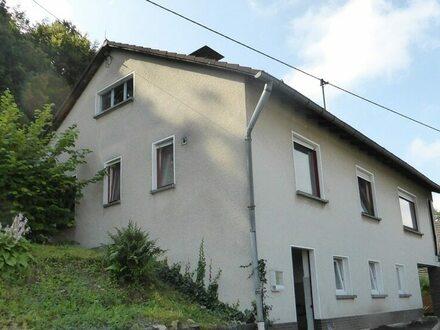 Einfamilienhaus mit toller Fernsicht und großem Garten in Freudenberg-Niederndorf