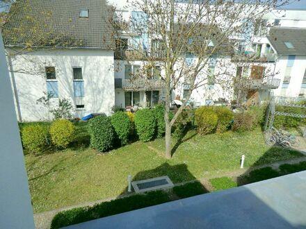 RB-Immobilien -3 Zimmer-Maisonette-Wohnung mit Loggia und TG-Stellplatz in Mainz-Laubenheim