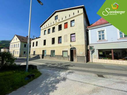 WOHNEN MIT GESCHICHTE - 3-Zimmer-Eigentumswohnung mit Balkon in Weyer