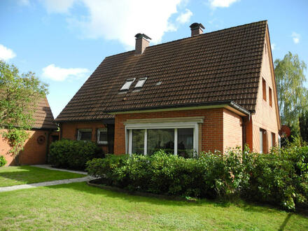 Mitten in Heidmühle - Wohnhaus mit abtrennbarem Baugrundstück