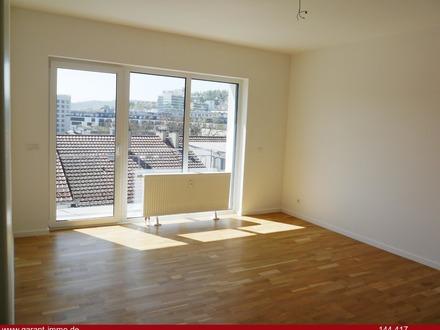 Über den Dächern der Stadt traumhafte, sanierte 3 Zimmer-Wohnung mit Sonnenbalkon - sofort beziehbar
