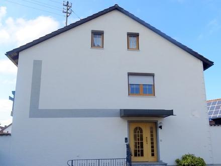 LAYER IMMOBILIEN: Zwei Zweifamilienhäuser zum Preis von einem, großes Grundstück, Nähe Friedberg und zur A8
