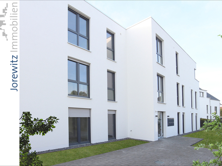 Nähe Gütersloh-Zentrum: Helle und schicke 4 Zimmer-Neubauwohnung mit schönem Balkon