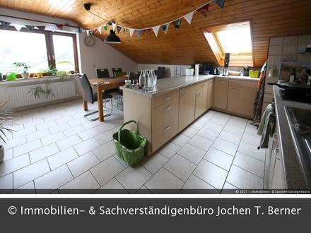 Sonnige und geräumige 4 Zi. Dachwohnung in Vellberg
