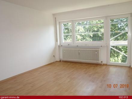 Modernisierte und helle 2 Zimmer-Wohnung