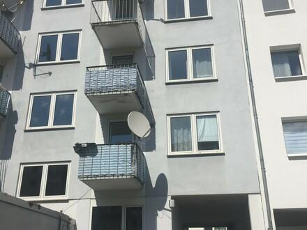 Hervorragend geschnittene, renovierte 3-Zimmer-DG Wohnung im Herzen der Mainzer Neustadt