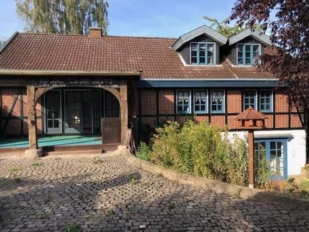 Individuelles 1-2-Fam.-Haus Fachwerk, Kamin- und Kachelofen, 2 Bäder und toller Garten, Langenberg