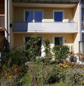 RMH ca. 85 m² 179 m² 295.000,- A-Pfersee, Erbbaurecht, sof. frei BJ 1958,...