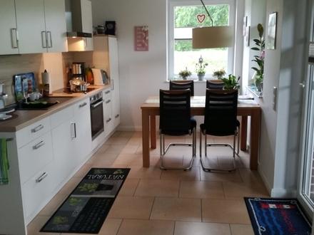 Neuwertige Doppelhaushälfte mit Garten und EBK in ruhig gelegener Siedlung von Collinghorst zu verkaufen!